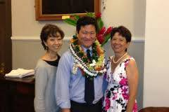 Photo of Gavin and VLSH staff; Gavin is a divorce and family law lawyer with Doi/Luke, Attorneys at Law, in Honolulu, Hawaii